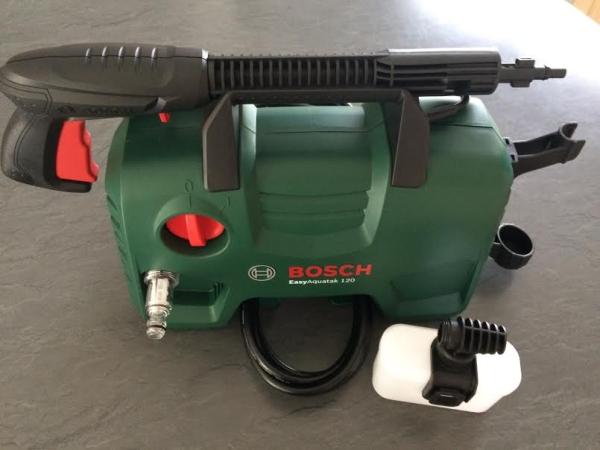 aquatak bosch 120  Le nettoyeur haute pression EasyAquatak 120