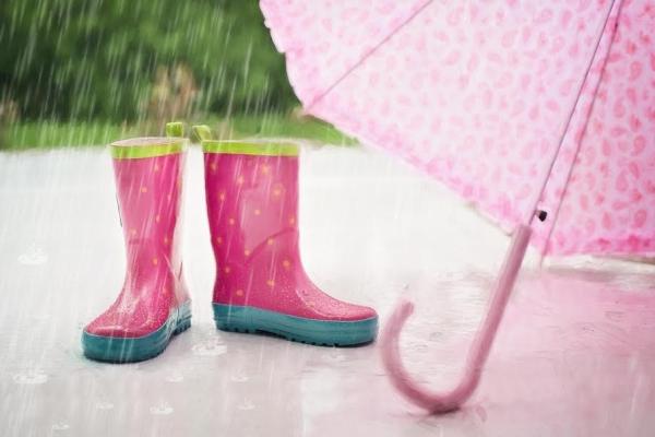 pluie  Guide de survie des vacances d'été pour les mamans solos