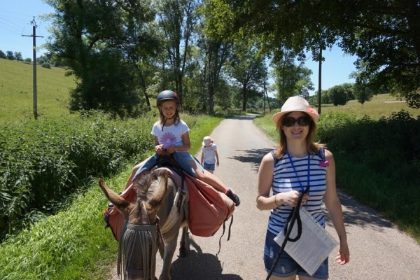 rando bougre danes  Randonnée avec un âne et des enfants en Bourgogne