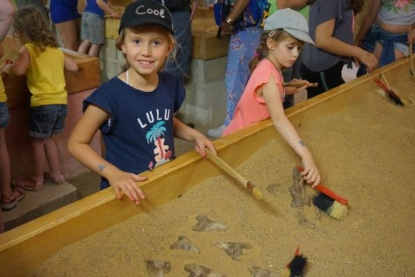 1688D626 2561 4266 8FCA C36B89B9EA18 1024x684  Une journée en famille au parc Dino Zoo