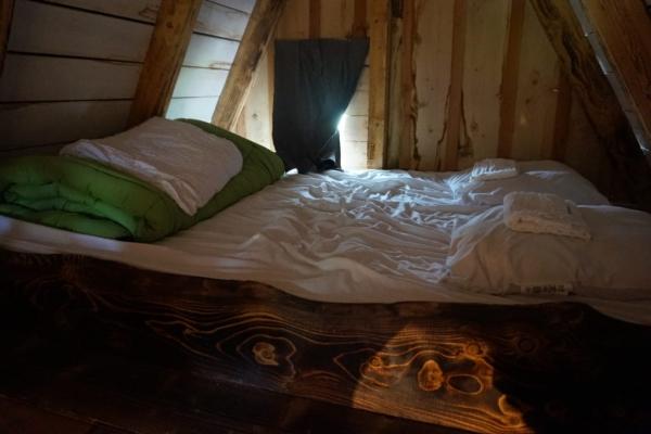 1C4633FC A79A 417F B780 9EC0C161E48C 1024x684  Notre nuit dans un Faerie Cottage au camping La roche d'Ully à Ornans