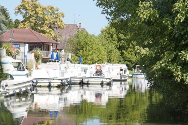 37929173 0679 4383 A0D5 A52685CF6909 1024x684  A Louhans retour sur notre petite balade en bateau  sur la Seille – Happy Bourgogne