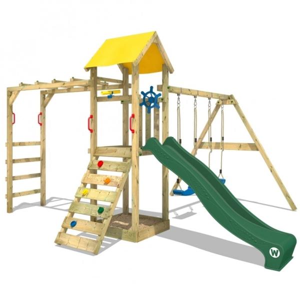 21028862 72EB 4F04 BC3D 5F9809FBC95F  Une aire de jeu en bois dans le jardin
