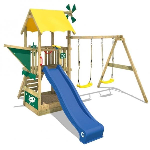 AB4F26E4 A777 49D6 97FE A2F4DC746EF7  Une aire de jeu en bois dans le jardin