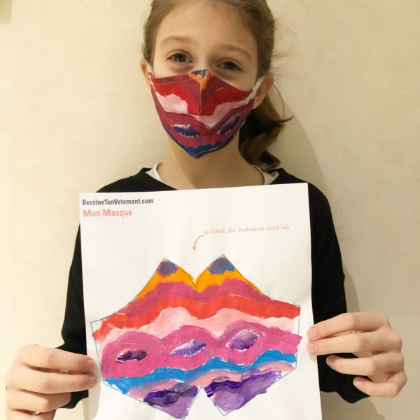 073FE6A8 9E1A 4030 8ECF EC1C8B01E246 1024x1024  Je dessine mon masque en tissu grâce à « Dessine ton vêtement » !